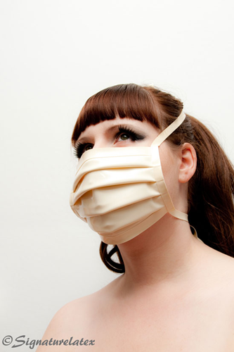 Surgical Mask  In white (E)